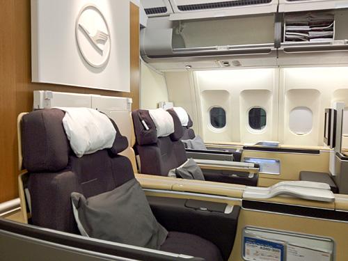 New Lufthansa First Class on A340-300 | bart.la