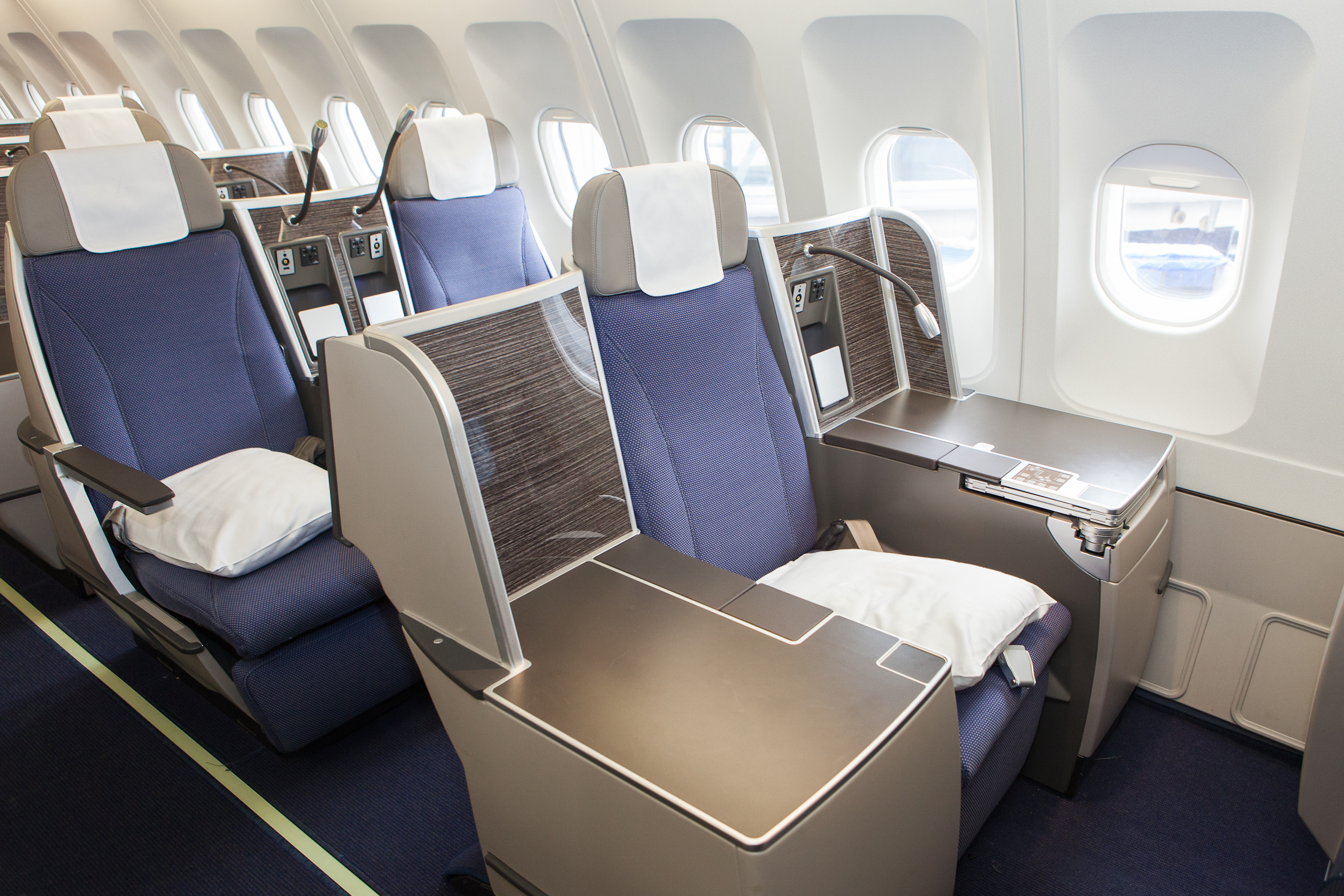 Brussels Airlines New Business Class A333 King Seat Bart La