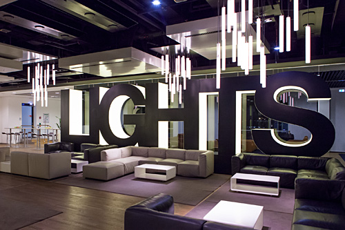 Lufthansa senator lounge frankfurt airport bart pic city lights bar aloadofball Gallery