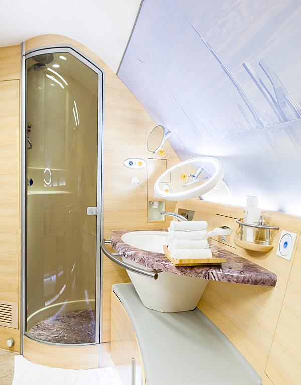 Emirates-A380-First-Class-Shower-Spa-EK148