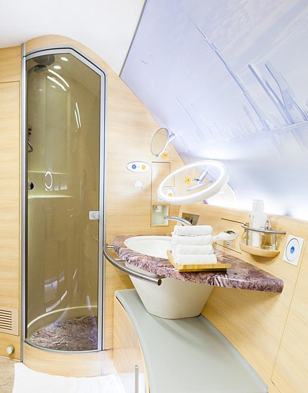 Emirates A380 First Class Amsterdam To Dubai Bart La