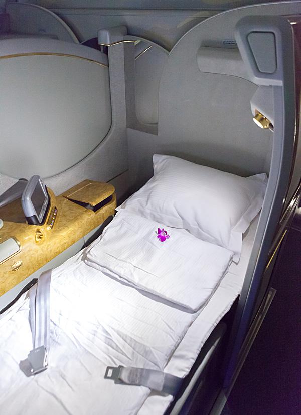 Etihad First Class Shower Emirates A380 First Cl...