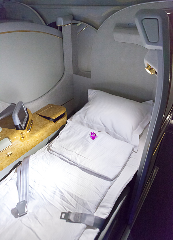 Emirates A380 First Class Suite - Fully flat Bed