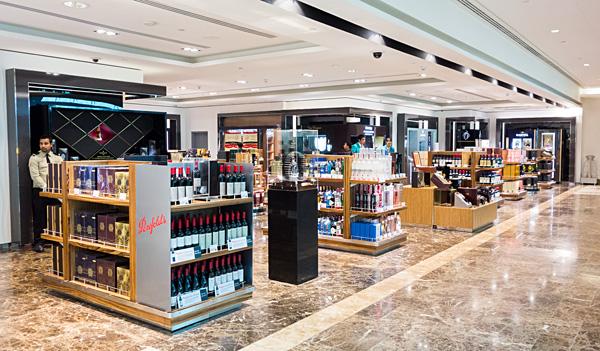 Emirates First Class Lounge Duty Free Shopping Dubai Terminal 3