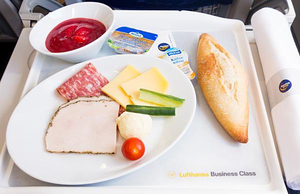 Lufthansa Business Class FRA-BRU Breakfast