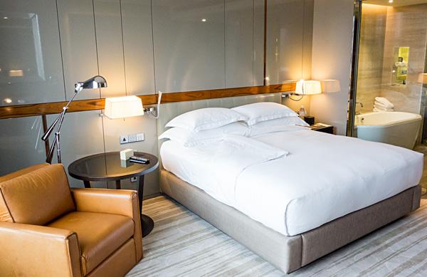 King Deluxe room at Hilton Sukhumvit Bangkok