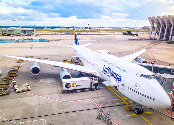 Lufthansa B748 D-ABYA Brandenburg