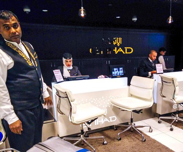Abu Dhabi AUH Etihad First Class Check-in