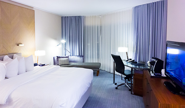 InterContinental Toronto Centre Deluxe Room 2327