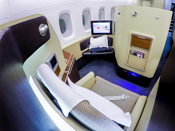 Qantas First Class A380 Seat 4A side view