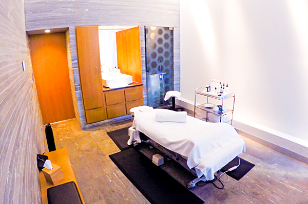 Qantas First Class Spa room Melbourne
