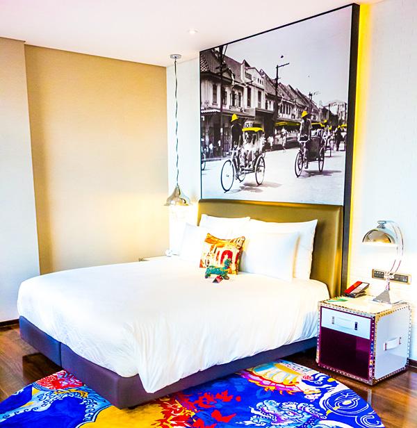 Hotel Indigo Bangkok Wireless Road King Deluxe Room