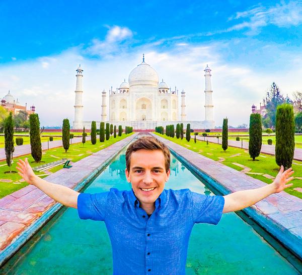 Bart-Lapers-at-Taj-Mahal-in-Agra-India