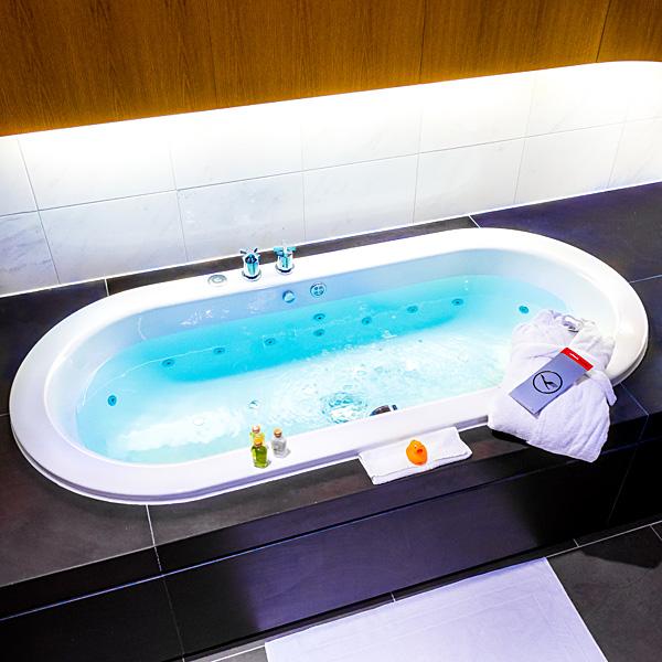 Lufthansa First Class Lounge Munich Shower Bathroom
