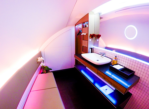 Qatar Airways A380 First Class bathroom
