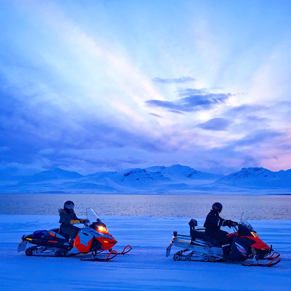 Snowmobile trip from Longyearbyen to Barentsburg Svalbard