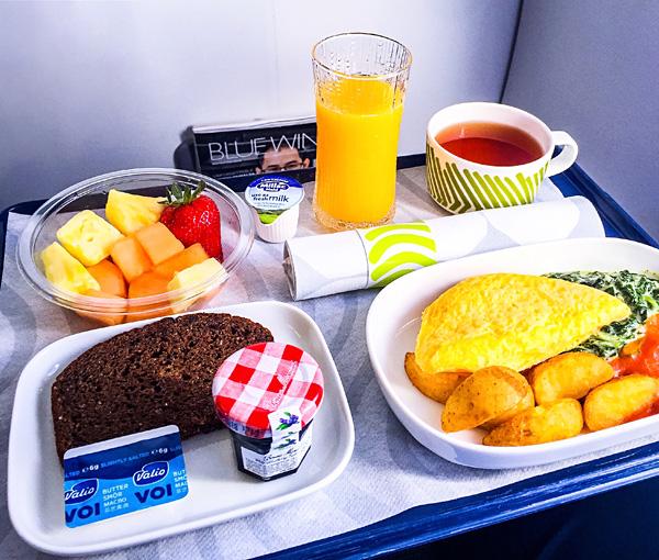 Breakfast onboard Finnair A320 Business Class Oslo to Helsinki
