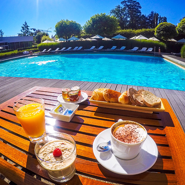 breakfast at the pool InterContinental Geneva