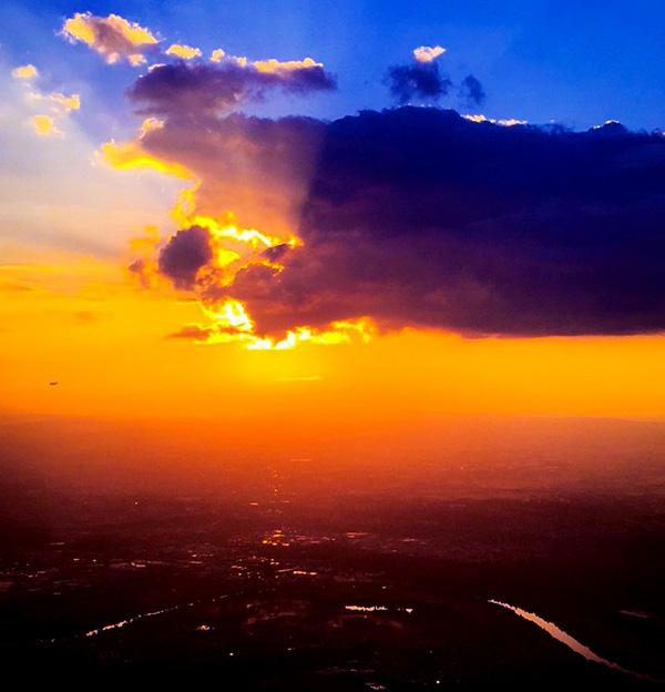 sunset-seen-from-Marseille-Frankfurt-flight