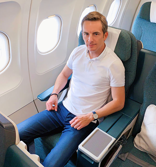 Cathay Dragon Business Class A320 Hong Kong Hanoi Bart Lapers