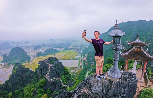 Lying Dragon Mountain Mua Caves Ninh Binh Bart Lapers