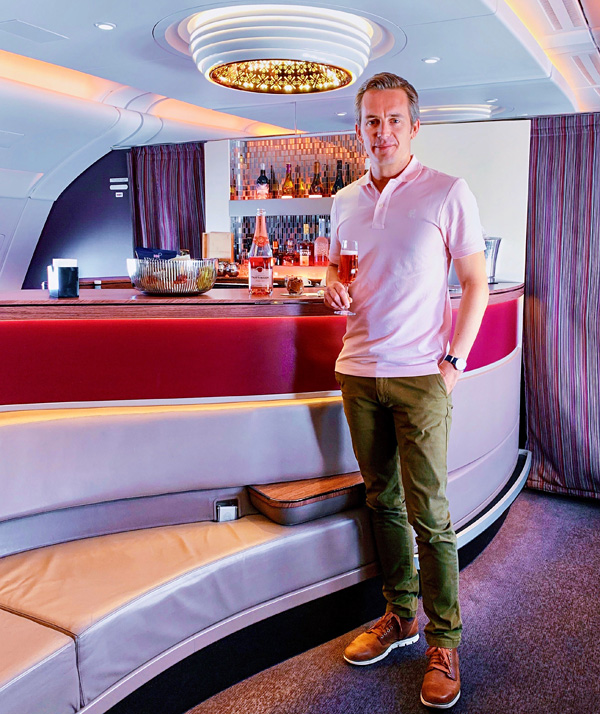 Qatar Airways A380 Bar The Lounge Bart Lapers 2019