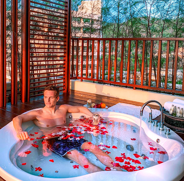 Superior Deluxe Suite Jacuzzi at Hilton Phuket Arcadia Resort Spa